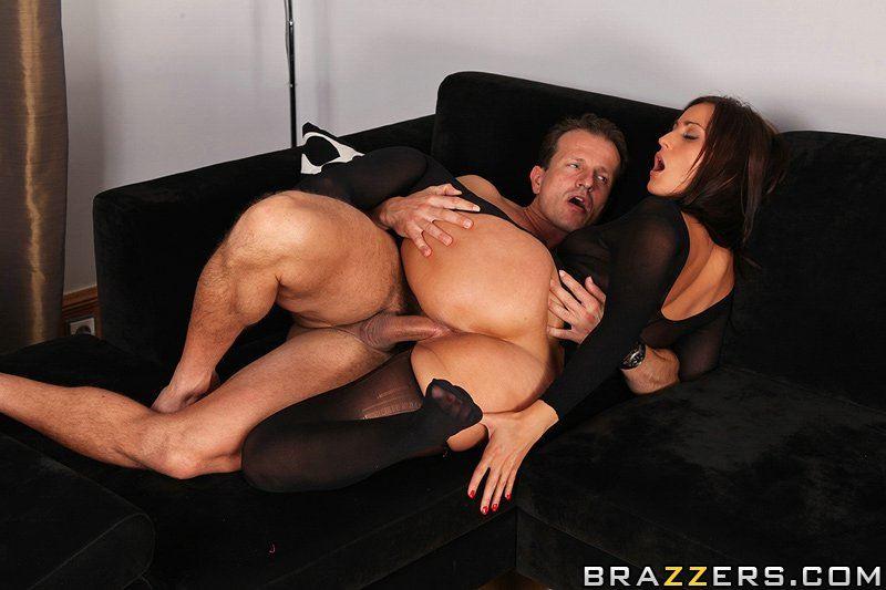 Мужик трахает сексуальную секретаршу