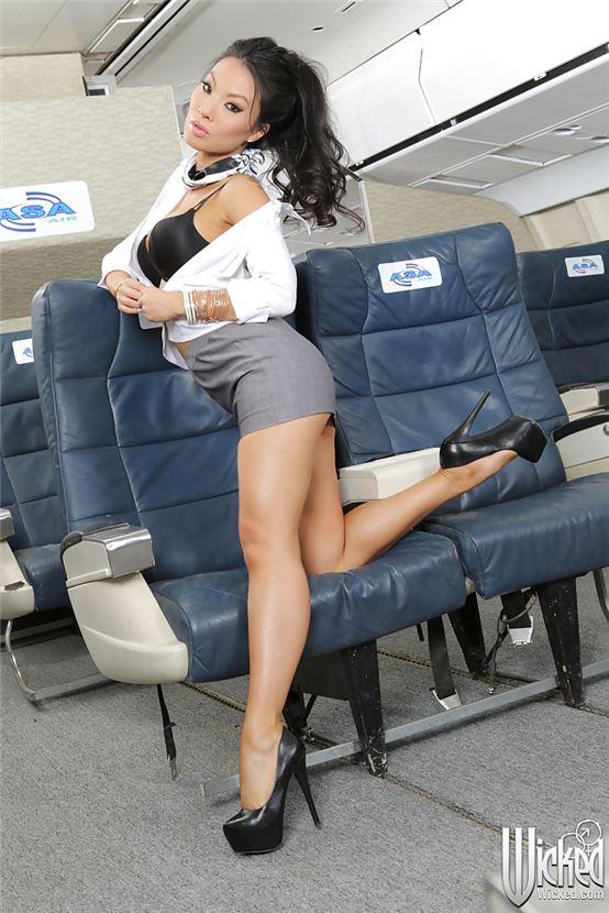 Секс японский секс со стюардессами попку секретарши