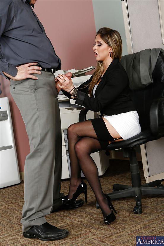Секретарша сасет у боса