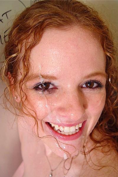 Рыжая шлюшка отсосала хуй и получила заряд спермы на лицо