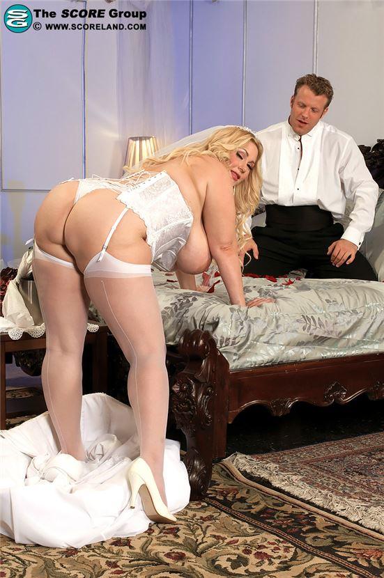 Невесты с большими вагинами #12