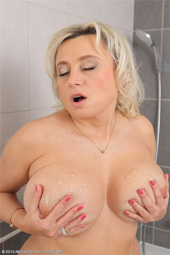 порно женщина мустурбирует