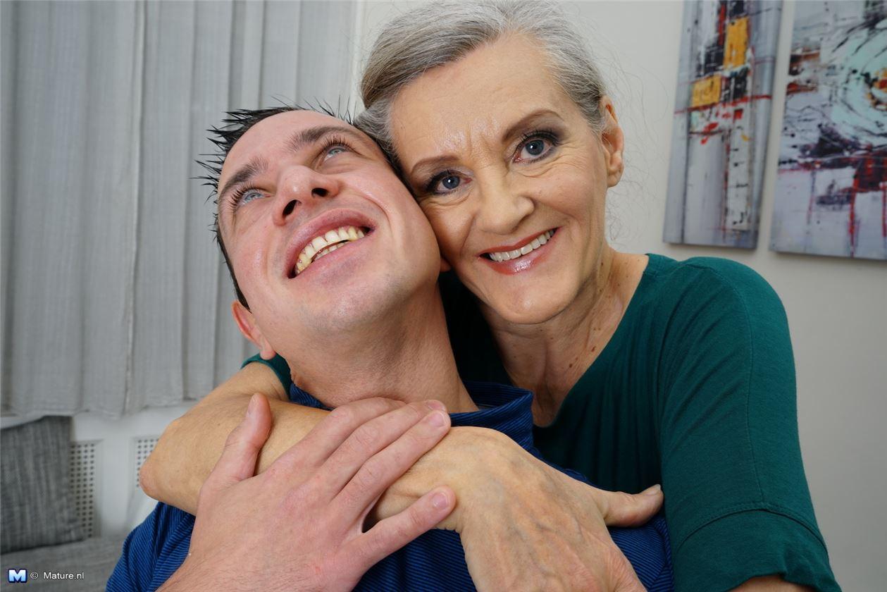 Старая бабка раком фото 23 фотография