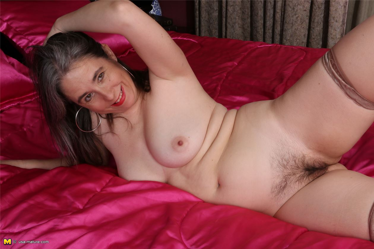 фото беременные женщины с огромными голыми животами
