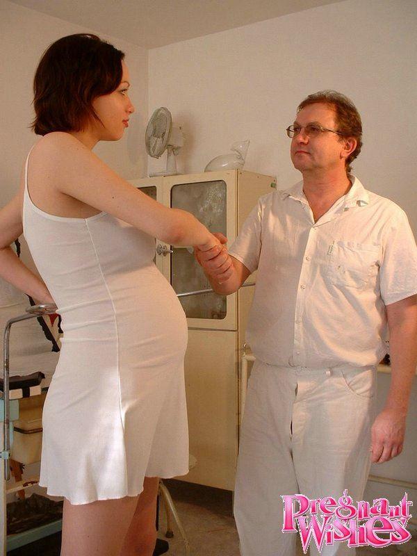 Порно гинеколог и беременная