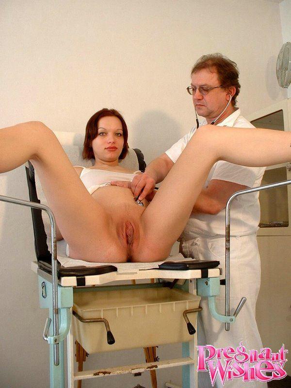 смотреть эро фото женщина беременная пришла к гинекологу