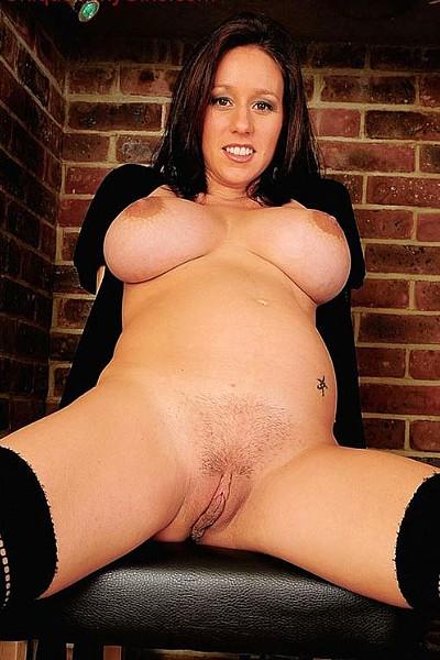 Беременная устроила эротическую фотосессию