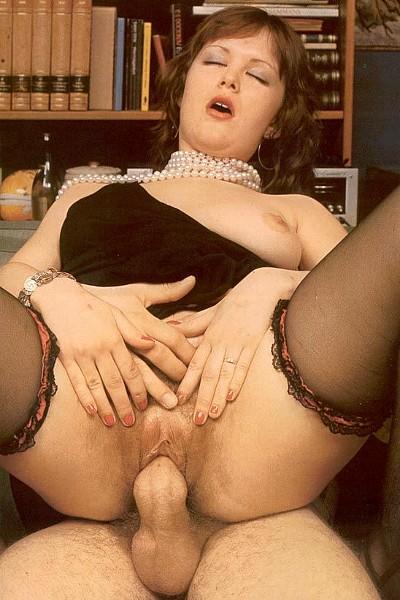 Порно зрелых шалав в групповом сексе — 3
