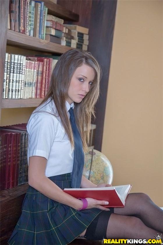 Сексапильная студентка